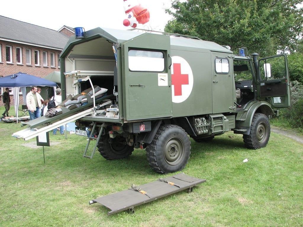 Krankenwagen Unimog vom Militär
