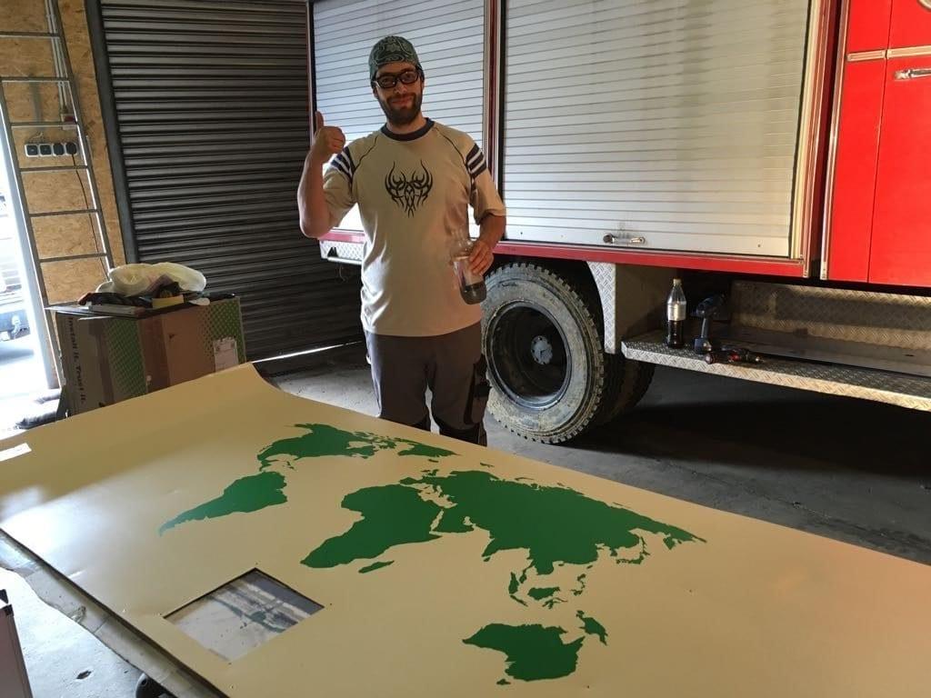 Die Weltkarte für die Decke im Fahrerhaus