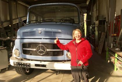 Erster Besuch beim Karosseriebauer – Der blaue Klaus ist endlich blau