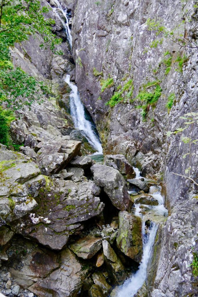 Der kleine Teil des Wasserfalls, den wir einsehen können.