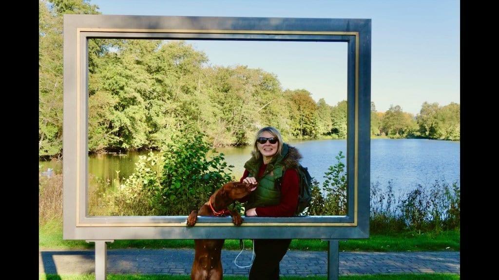 Die Fuldaauen sind ein idyllischer Ort um mit Hund zu wandern.
