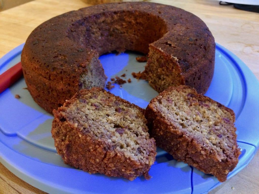 Dattel-Nuss-Kuchen im Omnia Backofen gegrillt