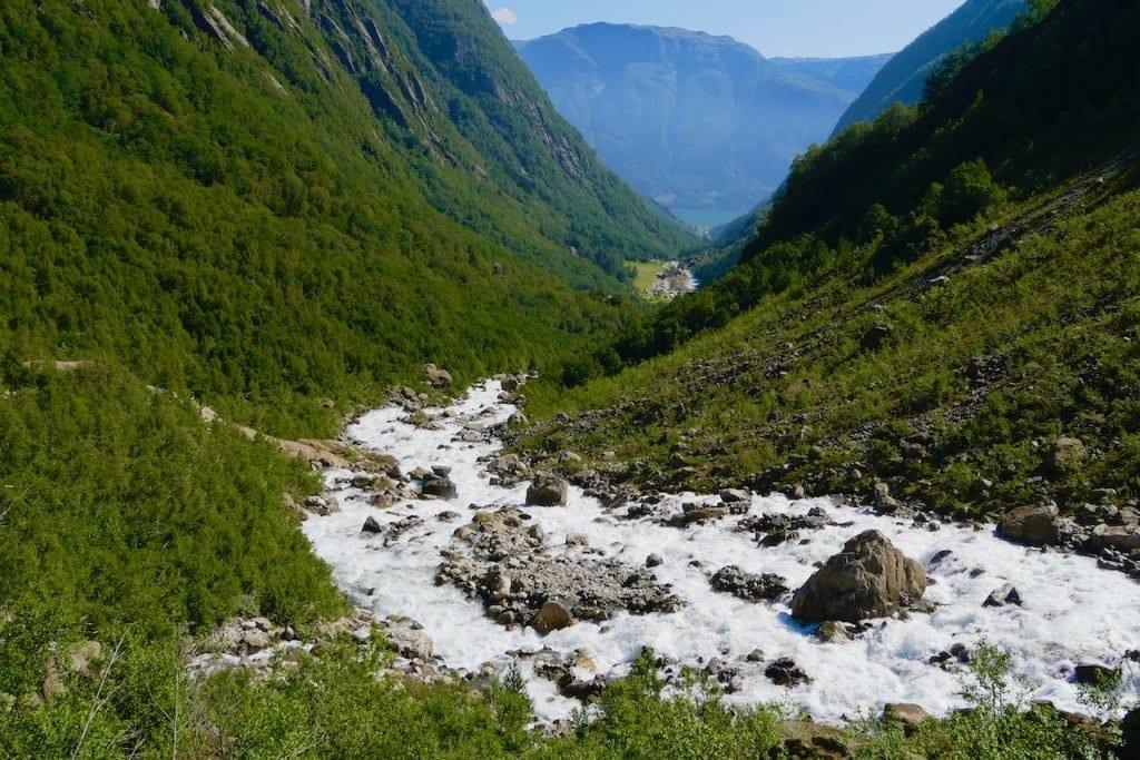 Eine spektakuläre Aussicht hinunter ins Tal