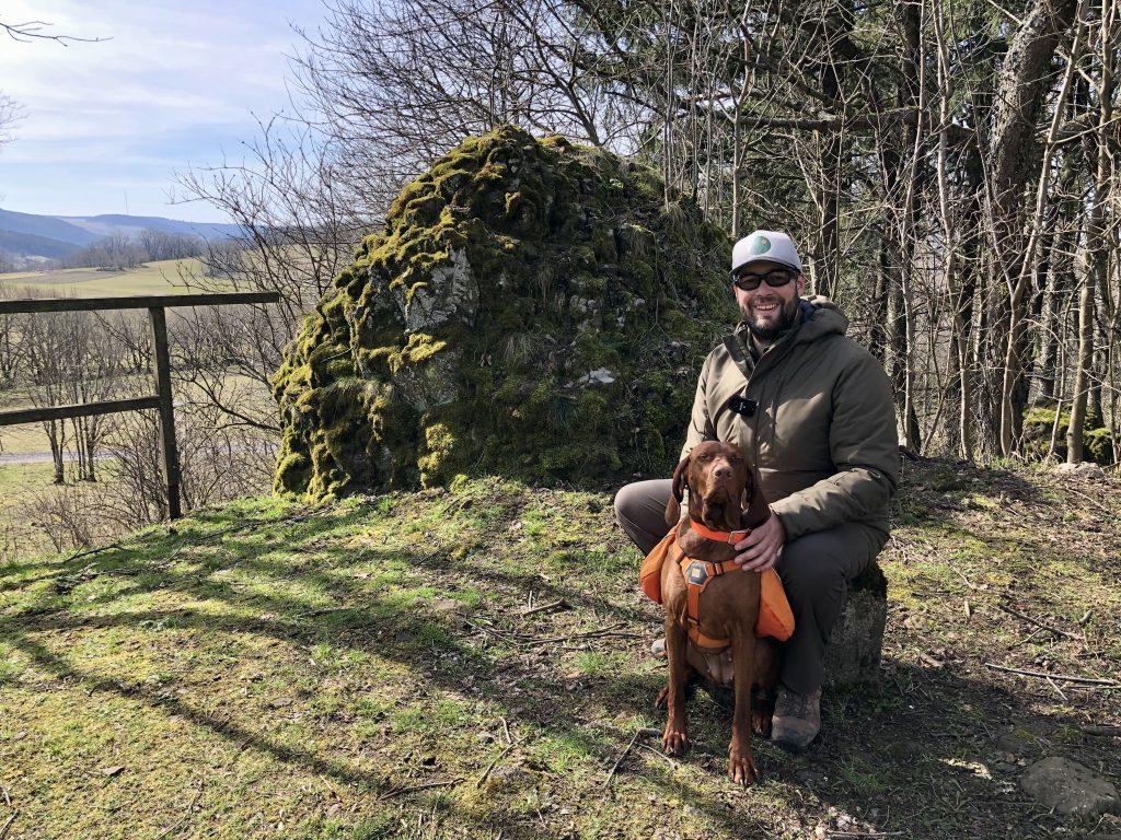 Der Gerstenstein, einst Zeuge einer unglaublichen Gräueltat, heute ein idyllischer Ort zum Picknicken.