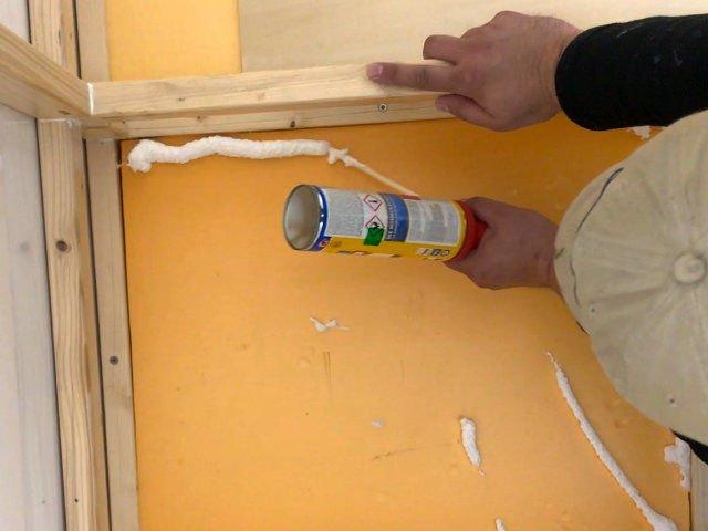 Wir dämmen den Boden der Wohnkabine